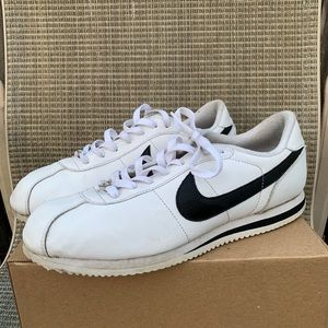 Nike Cortez basic white and black size 10.5